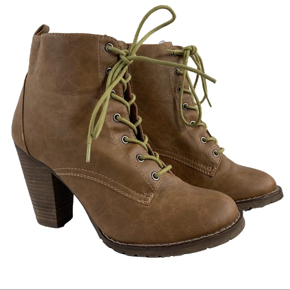 Expressions Dolorestan Faux Leather Ankle Boots